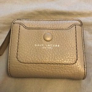 Marc Jacobs gray wallet